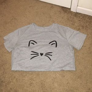 Tops - Grey cat T-shirt